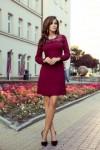 291-1 MOIRA Bordo spalvos suknelė su nėriniais